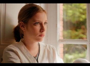 Nico visita a Mía en la clínica psiquiátrica