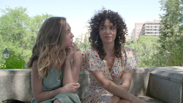 Nuevos personajes y un look renovado, Paula Usero y Carol Rovira desvelan secretos de la segunda temporada de #Luimelia