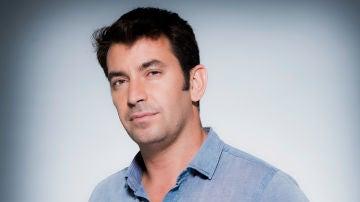 ATRESplayer PREMIUM prepara la serie 'Dos años y un día', una comedia protagonizada por Arturo Valls