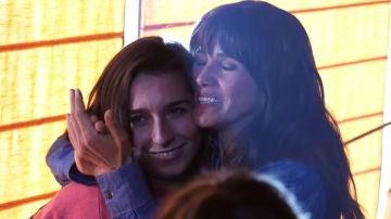 Las lágrimas de emoción de Goya Toledo tras finalizar una de sus secuencias más emotivas con Lola Rodríguez en 'Veneno'