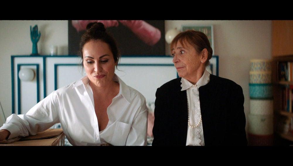 """Ana, a su abuela muerta: """"¿Qué hago?, ¿con cuál me quedo?"""""""