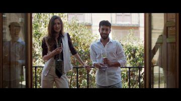 Ignacio queda con Marina ante la inminente llegada de Pepa, la ex novia de Amelia