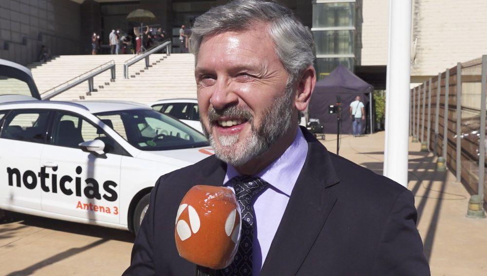 """Luis Iglesia desvela los secretos de Mariano Entrerríos en 'Alba': """"Nunca ha luchado y cuando lo ha tenido que hacer, ha visto que no tiene armas"""""""