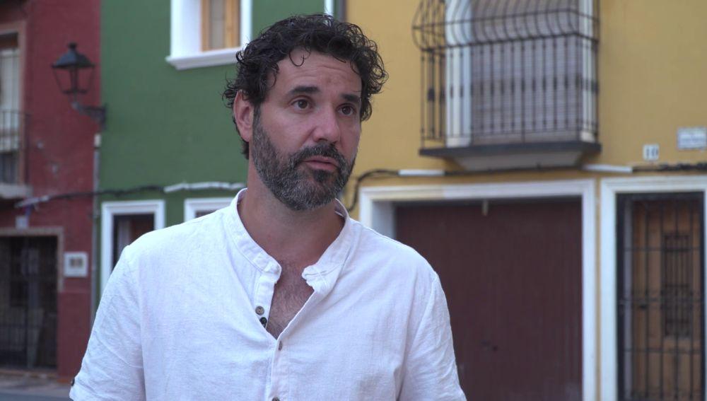 """Miquel Fernández, sobre César Valdivieso, su personaje en 'Alba': """"Tiene un sentimiento de culpa muy grande"""""""