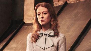 Zoe Boyle es Gemma en 'Cuatro bodas y un funeral'