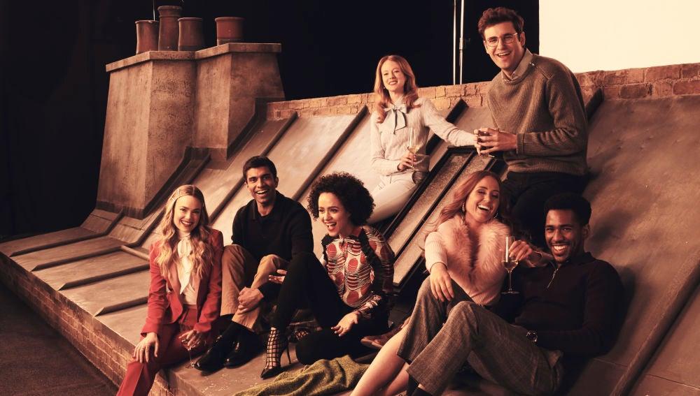 ¿Sus caras te suenan? Descubre en qué otras series han triunfado los actores y las actrices de 'Cuatro bodas y un funeral'