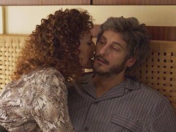 Extra: La secuencia del sueño erótico de Xabi que no pudiste ver en el capítulo 3 de 'Benidorm'