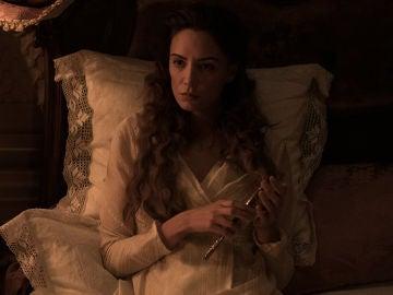 Amelia siente que Clara es una amenaza